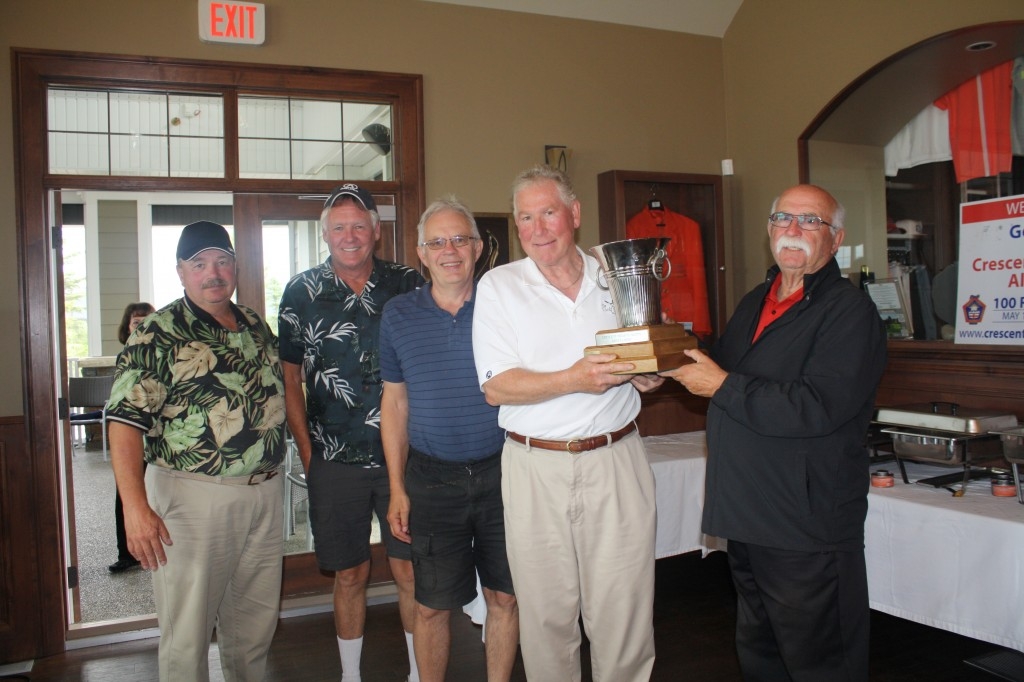 2014 Champions (Left to right): Ron Dulmadge, Bob Gardiner, Lorne Hall, and Brian Wright. Award presented by Stu Hambly.